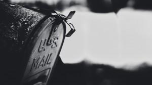 vintage-mailbox-close-up-17790