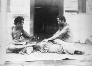Samoan_tatau_-_tattooing_circa_1895_-_photo_Thomas_Andrew