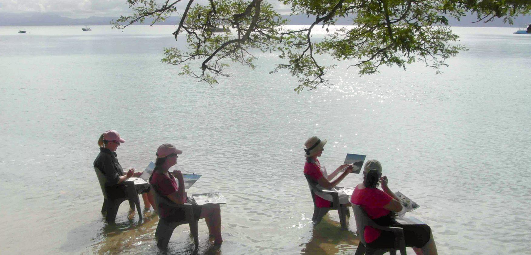 Elena Parashko plein air painting class in Fiji.